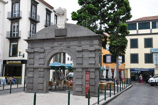 Portão dos Varadouros