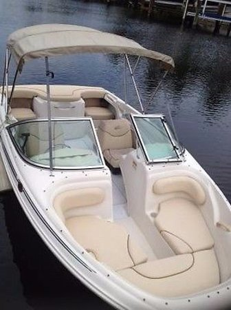 Tahoe City, CA: 18 ft Sea ray that is easy to operate around Tahoe!