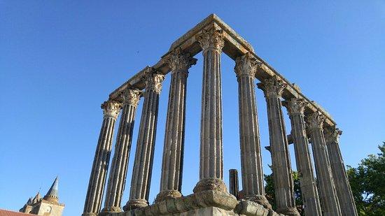 Templo Romano de Évora (Templo de Diana): 20160720_190835_HDR_large.jpg