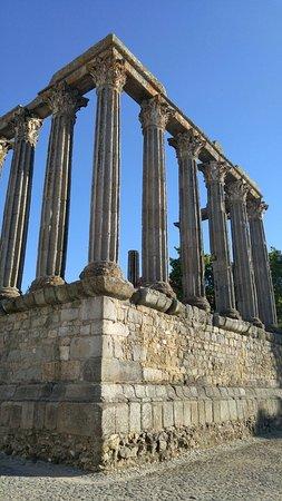 Templo Romano de Évora (Templo de Diana): 20160720_190842_HDR_large.jpg