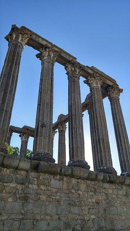 Templo Romano de Évora (Templo de Diana): 20160720_190909_HDR_large.jpg