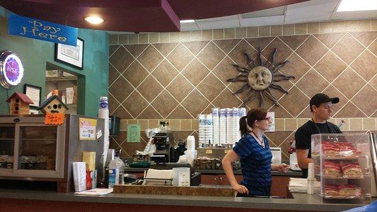 Stockbridge, GA: Open Monday through Saturdsy