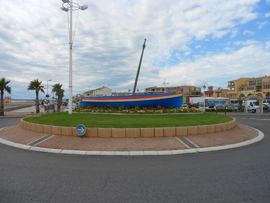 Rond point de l 39 entr e de ville photo de hotel restaurant mediterranee port la nouvelle port - Restaurants port la nouvelle ...