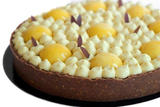 Le Bouscat, Frankrike: passion fruit-chocolate cake