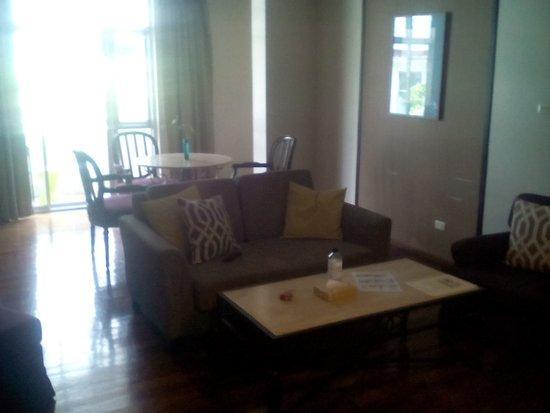 Asoke Residence Sukhumvit: Cosy living room