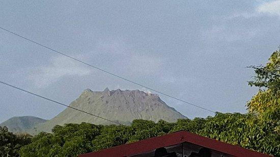 Parc National, Guadeloupe: Un des rares jours dégagé où la Soufrière montre son beau profil!