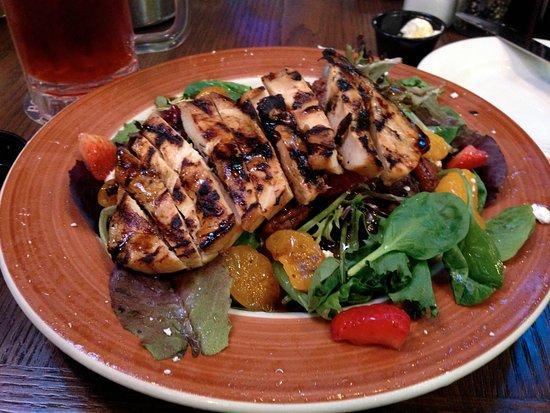 Van Buren, AR: grilled chicken salad