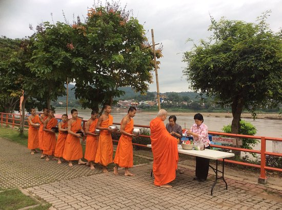 Chiang Khong, Thailand: Place To Relax At Day Waterfront Hotel Before Heading to Lao.