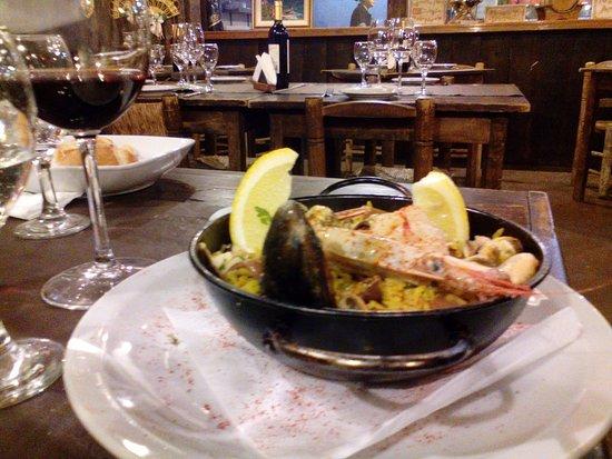 Almacén Español: La paella, el arroz no estaba a punto