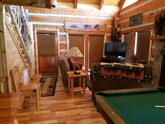 Timberwinds Log Cabins: 20160720_093155_large.jpg