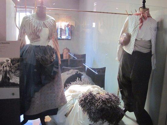 Coustellet, Frankrig: Abiti della tradizione provenzale