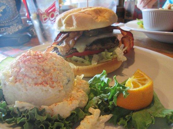 Sumas, WA: Jalapeno Burger w/bacon -mm mm good (double thumbs up!)