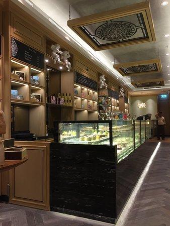 Mandarin Oriental Shop Central Chidlom Bangkok Downtown Bangkok