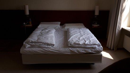 Geisenheim, Jerman: Doppelbett, durchgehende Matratze, Zimmer Kategorie Klassik+