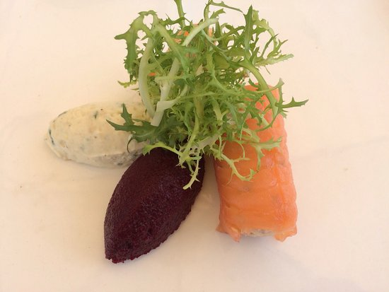 Wisborough Green, UK: Fish timbale with beetroot