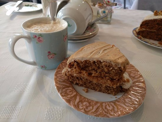 Falkland, UK: Coffee Cake