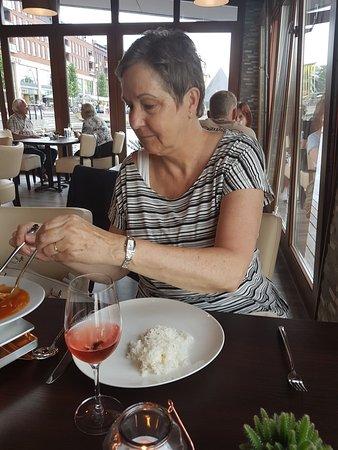 Heerhugowaard, Países Bajos: Trudy geniet van de Fu Young Hai