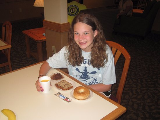 Hinckley, MN: Continental breakfast in the morning