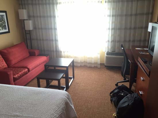Greenville, NC: Room 226