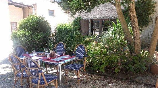 Marcillac-Saint-Quentin, Frankrike: La terrasse