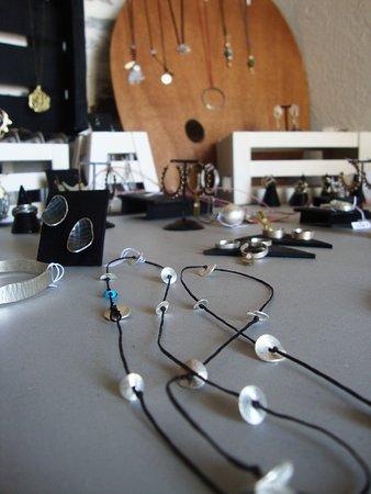 Makrinitsa, Grecia: jewelry exhibition