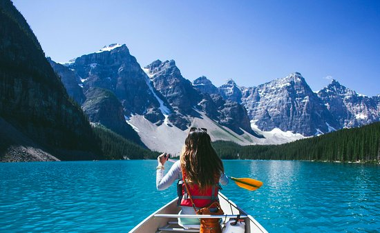 Canoeing On Moraine Lake Picture Of Moraine Lake Lodge