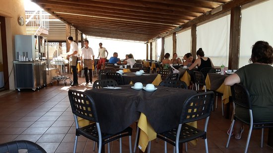 Salento, Италия: Veranda della colazione