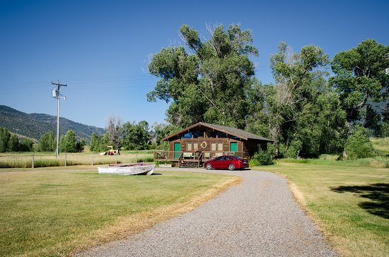 Swan Valley, ID: exterior of Cottonwood and Rainbow cabins