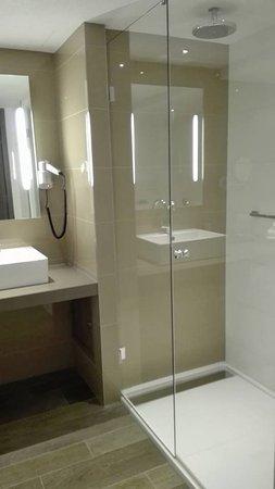 Van der Valk Hotel Haarlem : Big shower
