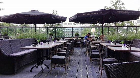Van der Valk Hotel Haarlem : The crappy terrace