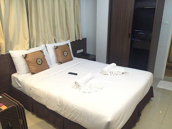 Euro Luxury Pavillion Hotel Bangkok Thailand Reviews Photos