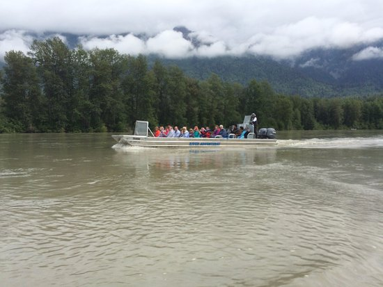 Chilkat River Adventures : Travelling up the Chilkat River