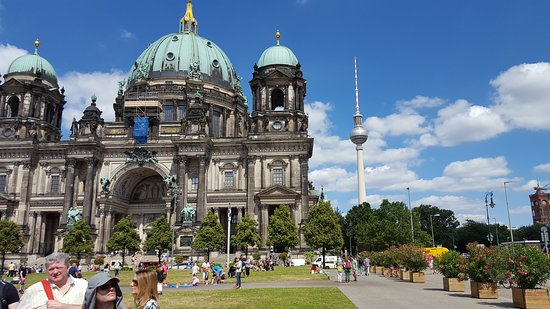 Insider Tour Berlin: Old and new Berlin