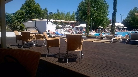 Villanova di Castenaso, Italia: Veduta dal ristorante verso la piscina