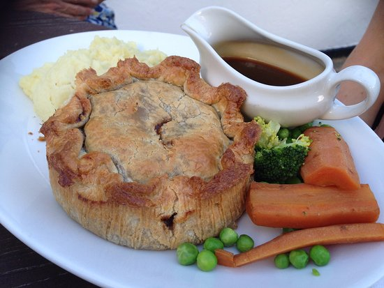 Marquis Of Granby: Steak & Ruddles ale pie with veges