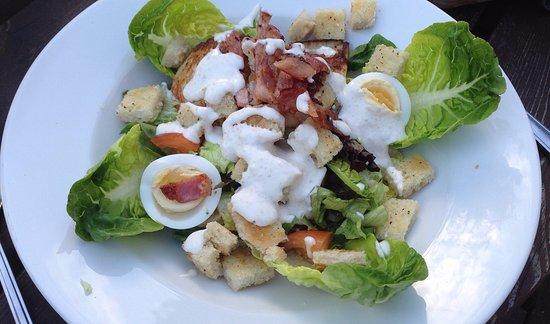 Esher, UK: Bacon & chicken caesar salad