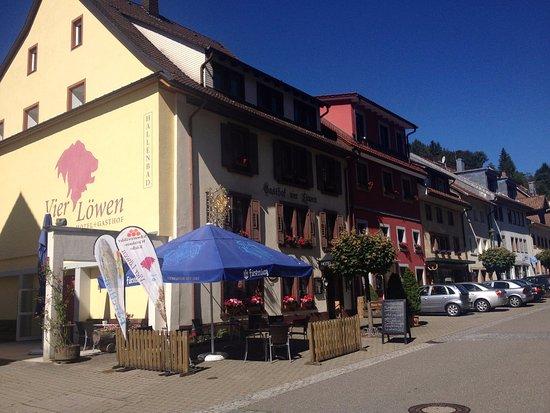 Schoenau im Schwarzwald, Alemanha: Gasthof Vier Lowen - a truly fantastic place to stay.