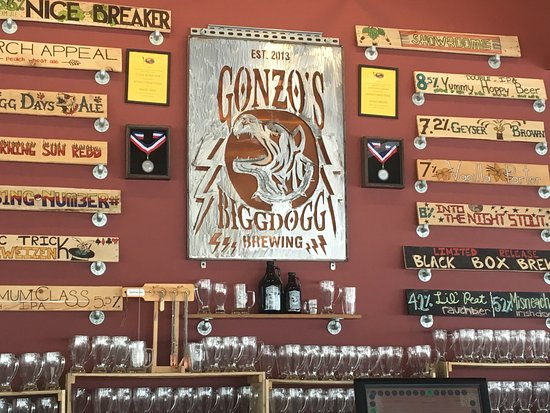 Kalamazoo, MI: Great place, cool vibe and good beer! Really nice menu, goat cheese fritters are awesome!