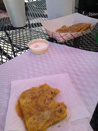 Hola! Cuban Cafe: Delicious Tostones with Pink Sauce