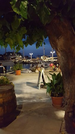 Postira, Kroatien: 20160723_210622_large.jpg