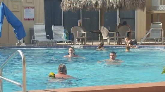 Magnuson Hotel Clearwater Beach: 20160714_173707_large.jpg