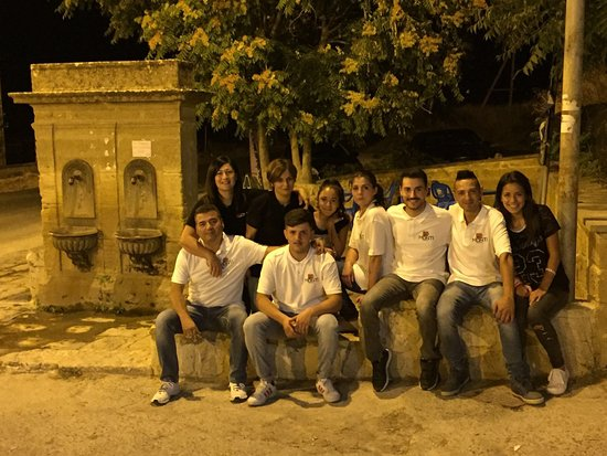 San Cataldo, Italy: staff la dolce vita di roccella