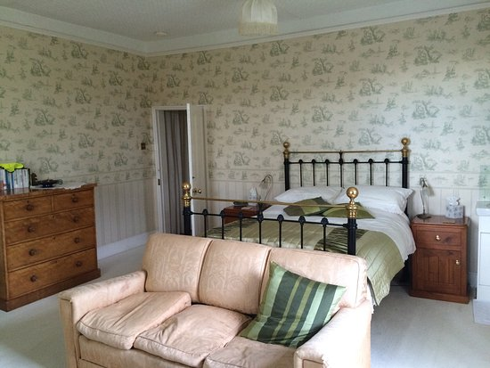 Fyfield Manor: photo0.jpg