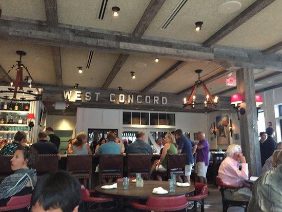 Concord, MA: Bustling bar area