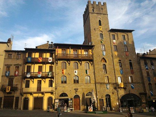 Arezzo, Italien: P_20160723_193711_large.jpg