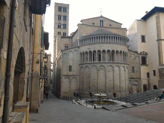 Arezzo, Italien: P_20160723_193847_large.jpg