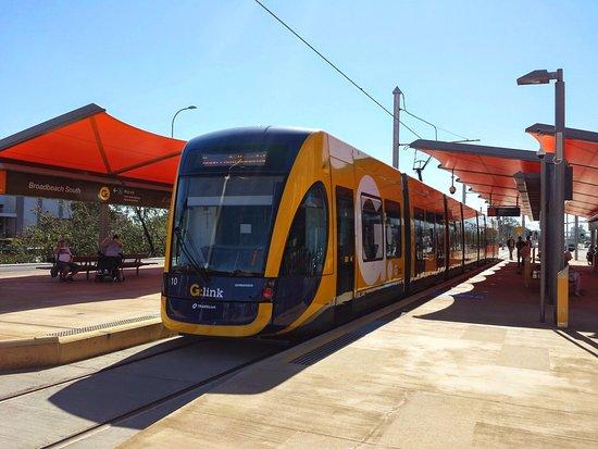 Broadbeach, Australia: Ramp less wheelchair access Broadheath terminus