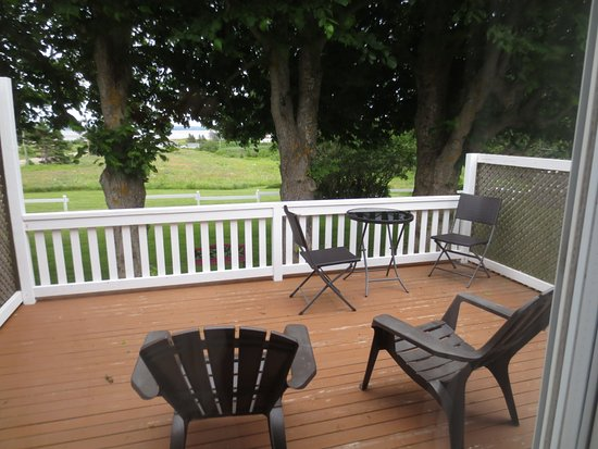 French River, Canadá: Private Deck for the Bay Room
