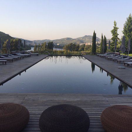 Samodaes, Portekiz: Pool