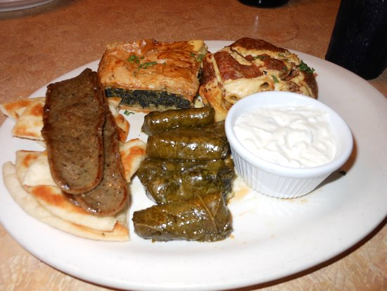 Sam's Pizza and Restaurant: Greek sampler